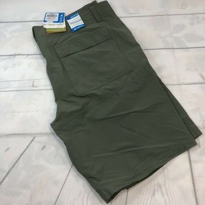 Mens 40 X 10 Columbia Trail Breaker Shorts Green